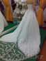 Срочно продам шикарное свадебное платье со шлейфом